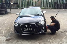 Yogis Tyres Keighley Audi A4 Tyre Change